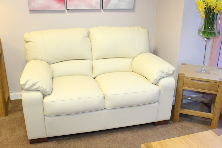 Betty 2.5 seater Sofa